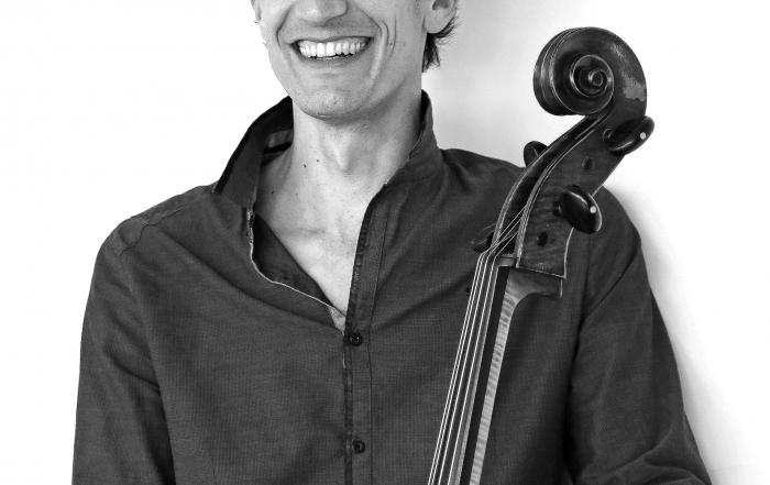 Bach aux jardins par Jérémie Maillard violoncelliste le vendredi 14 juillet à 16h30