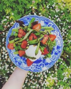 Salade fraises asperges Hortus Café